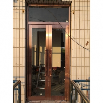 营城子装修公司办公室门